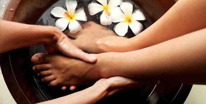 Medicinska pedikura, trajni lak ili klasično lakiranje uz masažu stopala za 109 kn!
